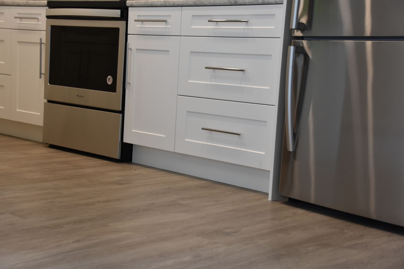 08-new-home-hardwood-and-luxury-vinyl-project-kelowna-bc-lvp